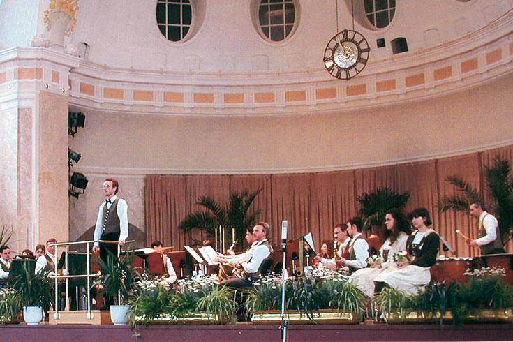 Μουσικός Οργανισμός Μετζοκορόνα, Ιταλία